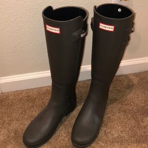 Like New Tall Hunter Charcoal Rain Boots